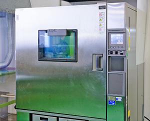 温度サイクル試験装置